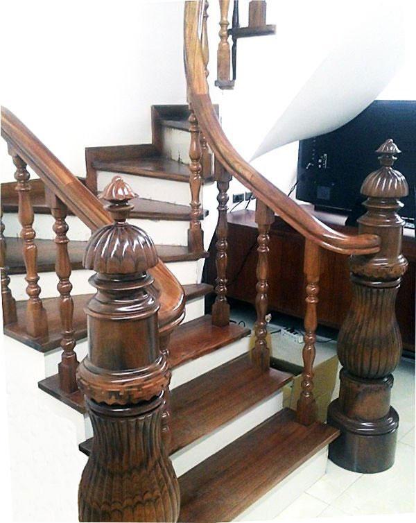 Trang trí cầu thang bằng mẫu trụ thật đẹp
