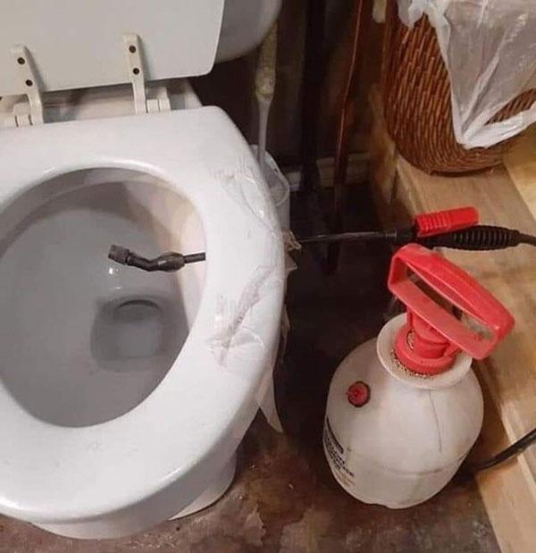 Nhà vệ sinh công nghệ cao luôn